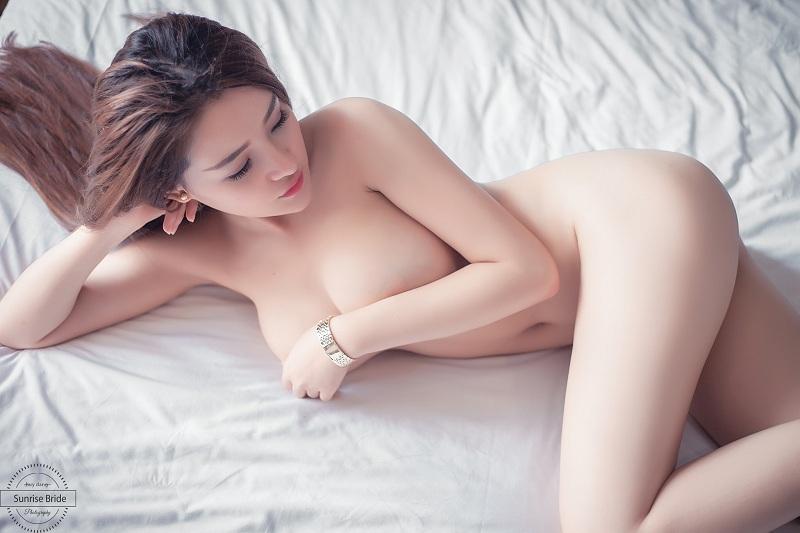 moon 2k nude